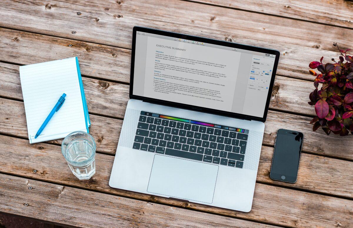 rutyna-produktywnosc-biurko